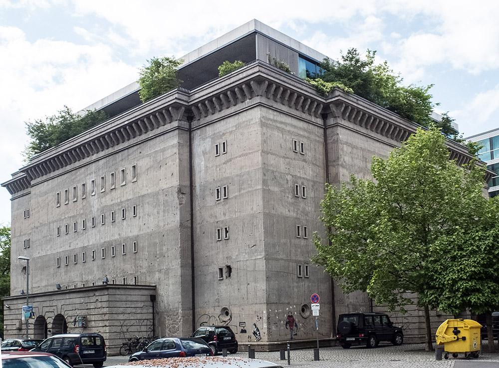 Boros bunkermed påbyggt penthouse