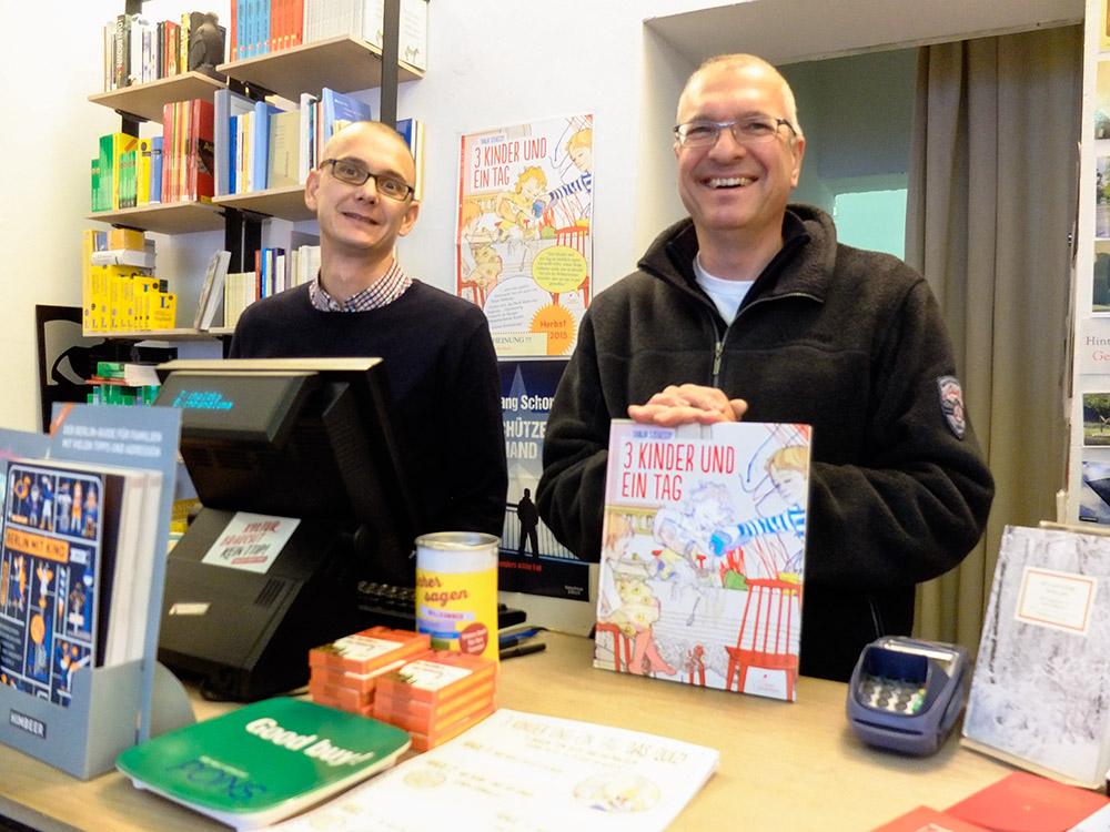 Jörg Engelbrecht och Jörg Braunsdorf på Buchhandlung Tucholsky.
